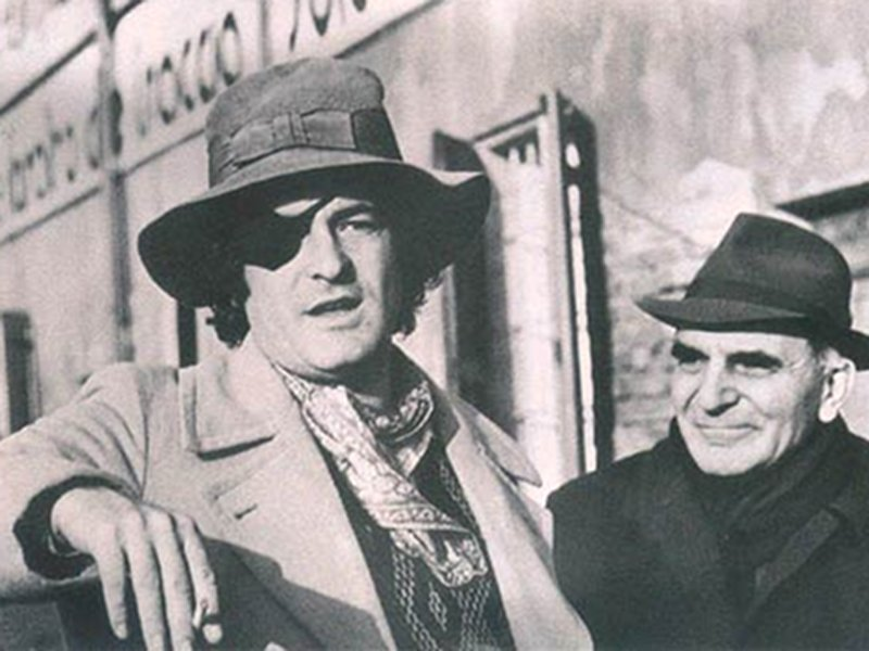 Bernardo and Attilio Bertolucci in the movie set of the film 1900